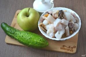 """Салат """"Морской коктейль"""" с креветками и кальмарами - фото шаг 1"""