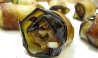 Рулеты с грибами из баклажанов - фото шаг 5