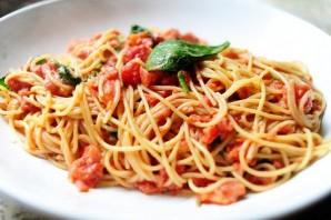 Спагетти с помидорами и фаршем - фото шаг 7