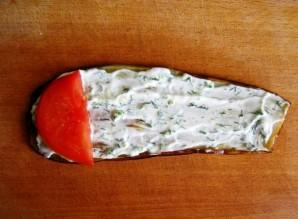 Рулеты из баклажанов с помидорами - фото шаг 6