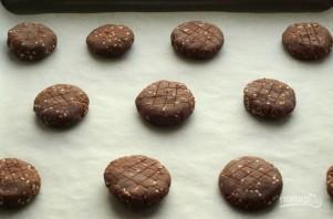 Песочное печенье с шоколадом и кунжутом - фото шаг 5