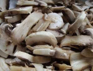 Пирожки с грибами и яйцом - фото шаг 2