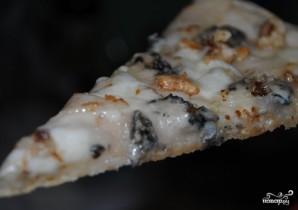 Пицца с сыром и грушей - фото шаг 6