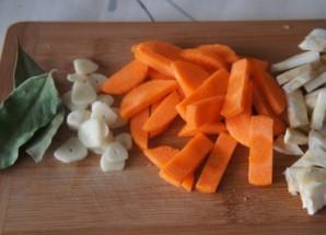 Суп с баклажанами и грибами   - фото шаг 1