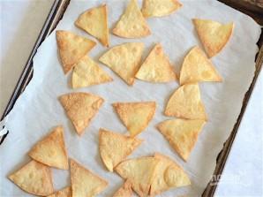 Чипсы из тортильи в духовке - фото шаг 4