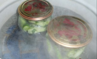 Огурцы с чесноком на зиму - фото шаг 4