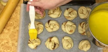 Мягкие сливочные булочки с корицей - фото шаг 7