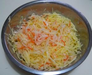 Капустно-картофельные оладьи - фото шаг 1