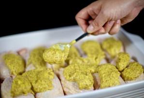 Запеченная курица под соусом - фото шаг 7