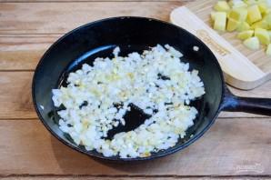 Охотничьи колбаски с картофелем в горшочках - фото шаг 4