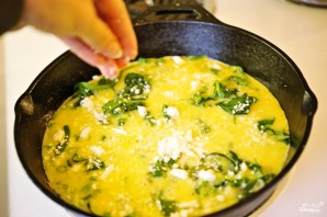 Омлет со шпинатом - фото шаг 9
