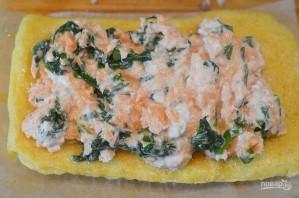Ролл из омлета со шпинатом и лососем в азиатском стиле - фото шаг 7