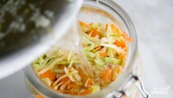 Капустный салат с клюквой - фото шаг 7