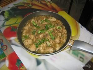 Курица, тушенная в кефире - фото шаг 9