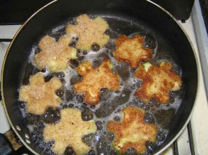 Кабачки, жаренные в сухарях - фото шаг 2