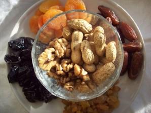 Конфеты из сухофруктов и орехов - фото шаг 1