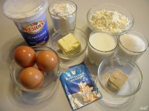 Творожные булочки в сметанной заливке - фото шаг 1