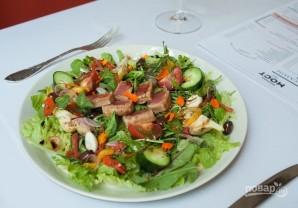 Салат со свежим тунцом - фото шаг 9