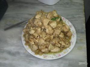 Курица, тушенная в кефире - фото шаг 6