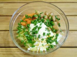 Салат с фасолью и солеными огурцами - фото шаг 6