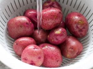 Запеченная в духовке картошка - фото шаг 1