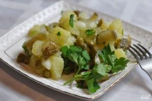 Салат картофельный с маринованными огурцами - фото шаг 5