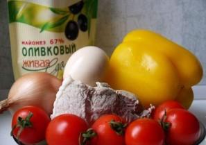 Салат с отварной свининой - фото шаг 1