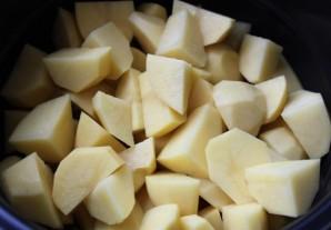 Телятина в мультиварке с картошкой - фото шаг 2