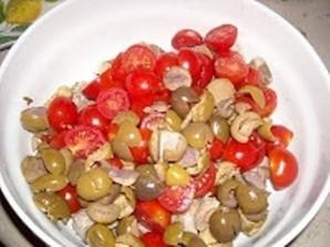 Салат с языком и помидорами - фото шаг 4