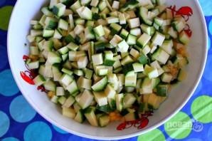 Салат из кукурузы, цукини и помидоров - фото шаг 2