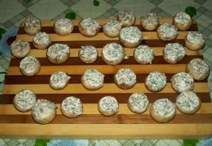 Грибы, запеченные под сыром - фото шаг 5