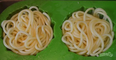 Кексики из спагетти с фрикадельками - фото шаг 2