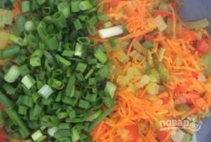 Слоеные пирожки с фаршем и овощами - фото шаг 4