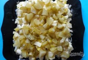 Рыбный салат с солеными огурцами - фото шаг 5