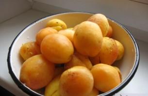 Варенье из абрикосов дольками - фото шаг 1