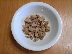 Салат с печенью куриной слоеный - фото шаг 5