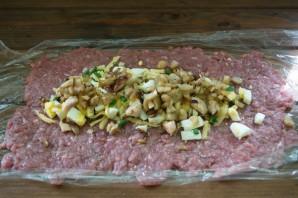 Мясной рулет с грибным соусом - фото шаг 4