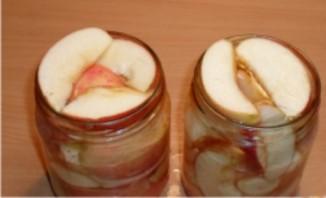 Яблоки в сиропе на зиму - фото шаг 6