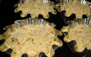 Маффины с курицей и грибами - фото шаг 9