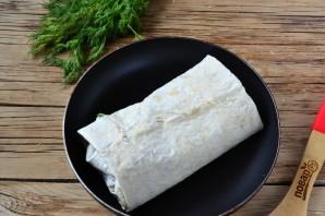 Шаверма с пикантной курочкой и чесночным соусом - фото шаг 11
