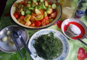 Салат на зиму из помидоров и огурцов - фото шаг 1