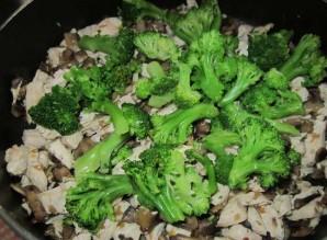 Лоранский пирог с курицей, грибами и брокколи - фото шаг 3