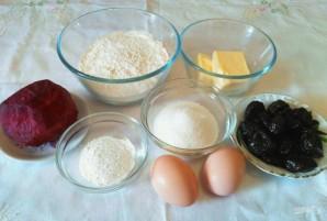 Свекольный кекс с черносливом - фото шаг 1