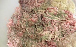 Котлеты из оленины - фото шаг 1