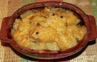 Мясо в горшочках с грибами и сыром - фото шаг 10