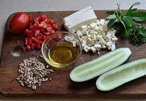Салат в огурце - фото шаг 1