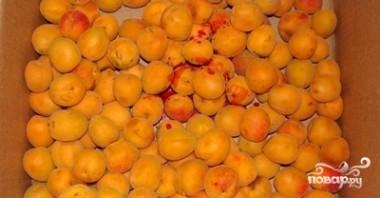 Абрикосовый компот на зиму - фото шаг 1