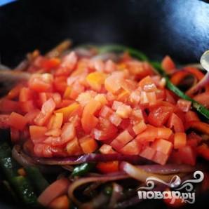 Макароны с курицей и овощами - фото шаг 12