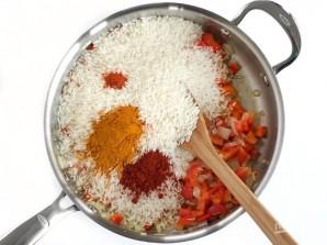 Рис с морепродуктами и овощами - фото шаг 3