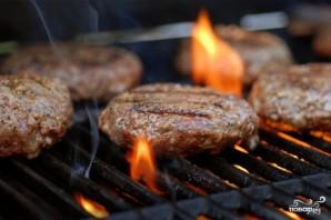 Гамбургеры на мангале - фото шаг 1